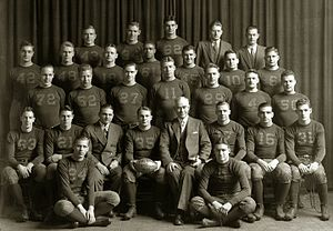 1933 Michigan Wolverines football team - Image: 1933 Michigan Wolverines football team