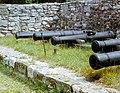 1981-05 Burg Querfurt, mangelhafte Präsentation der Kanonen.jpg