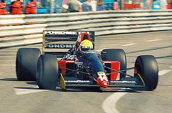 1992 Andrea Chiesa Fondmetal cropped.jpg