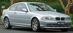 2000-2003 BMW 330Ci (E46) coupe (2011-07-17) 01.jpg