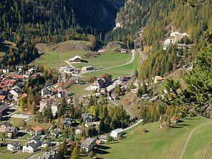 Bergün/Bravuogn (Rhaetian Railway station) - Bergün/Bravuogn station from above