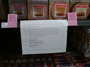 2008 Canada listeriosis outbreak - A meat recall notice placed in the deli section of Sobeys grocery store