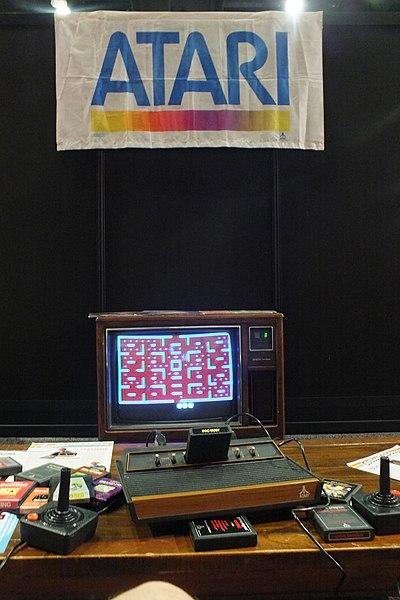File:2013 E3 - VHM Free Pac Man (9099252640).jpg Description2013 E3 - VHM Free Pac Man Date12 June 2013, 00:00 Source2013 E3 - VHM Free Pac Man Author- EMR - from Chicago, USA Camera location34° 02′ 24.22″ N, 118° 16′ 14.28″ W