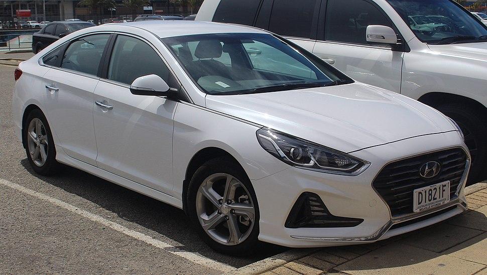 2018 Hyundai Sonata (LF4 MY18) Active 2.4 sedan (2018-10-22) 01