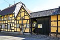 2019-06-18-bonn-muffendorfer-hauptstrasse-39-handpumpe-bodenplatte-1100-jahre-muffendorf-01.jpg