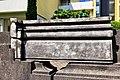 2019-06-18-bonn-nietzschestrasse-54-balustrade-die-sitzenden-04.jpg