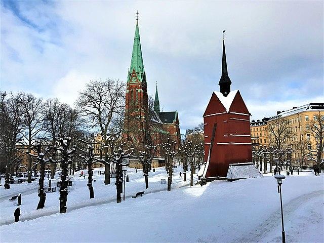 640px-2021-02-11_Saint_John_Church_and_bell_tower_-_Stockholm_-_01.jpg