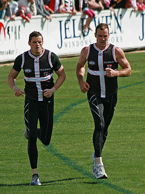 Michael Gardiner - Gardiner (left) running laps with Steven King at training prior to the 2009 AFL Grand Final