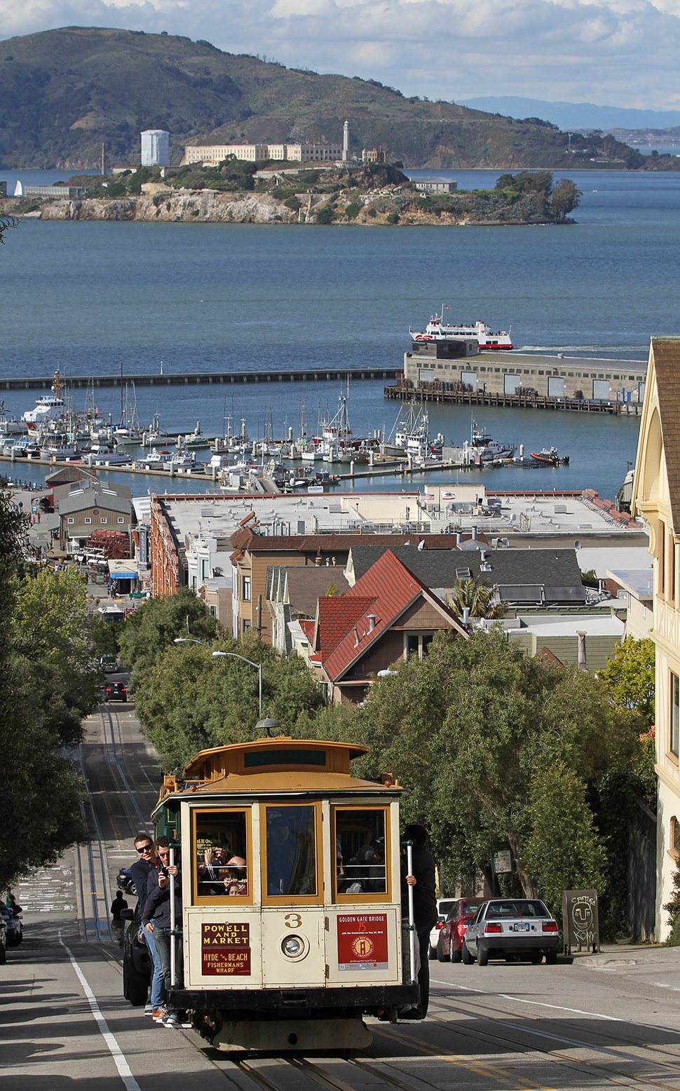 3 Cable Car on Hyde St with Alcatraz, SF, CA, jjron 25.03.2012