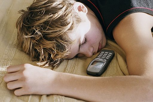 638927-sans-grande-surprise-utilisation-telephone
