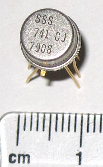 TO-5 - Operational amplifier in a TO-5 package, viewed from above.