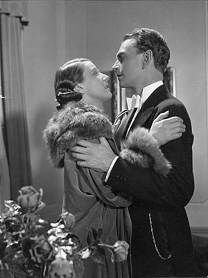 Black Roses (1932 film) - Film still with Esther Roeck-Hansen and Einar Axelsson