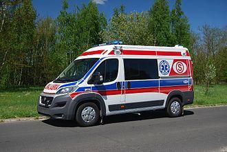 https://upload.wikimedia.org/wikipedia/commons/thumb/9/92/AMBULANS_FIAT_DUCATO.jpg/330px-AMBULANS_FIAT_DUCATO.jpg