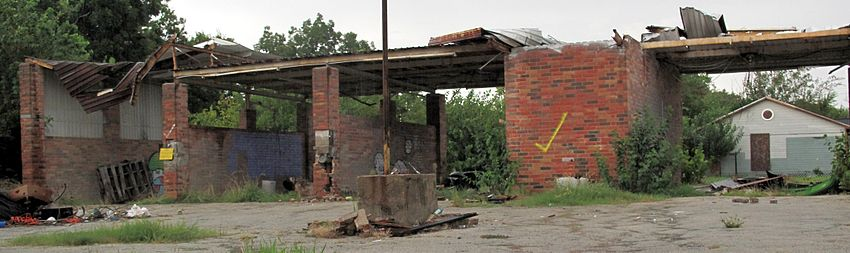 Car wash wikivisually an abandoned self serve car wash in houston texas solutioingenieria