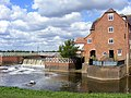Abbey Mill and Weir, Tewksbury - geograph.org.uk - 1382369.jpg