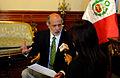 Abugattás en entrevistas con medios de prensa (6912502935).jpg