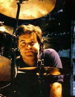 Simon Wright (musician) English drummer