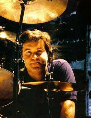 Simon Wright (musician) - Wright with AC/DC in 1988