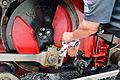 Achenseebahn - Nachfüllen von Öl im Bahnhof Achensee-Seespitz.jpg
