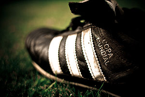 English: Adidas Copa Mundial Football Boot Deu...