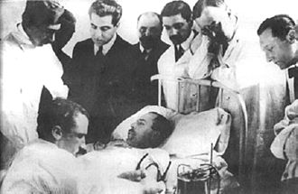 Luis Agote - Dr. Luis Agote (2nd from right) overseeing one of the first safe and effective blood transfusion in 1914