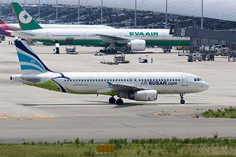Air Busan, A320-200, HL7744 (19400510395).jpg
