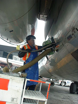 Aircraft lavatory - The toilets of a McDonnell Douglas MD-80 being serviced
