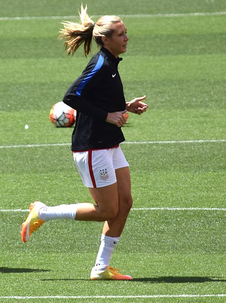 Long with the United States women's national team before a match against Japan on June 5, 2016 Allie Long Cleveland.jpg