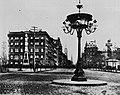 Amerikanischer Photograph um 1876 - Der Arm der Freiheitsstatue am Madison Platz (Zeno Fotografie).jpg