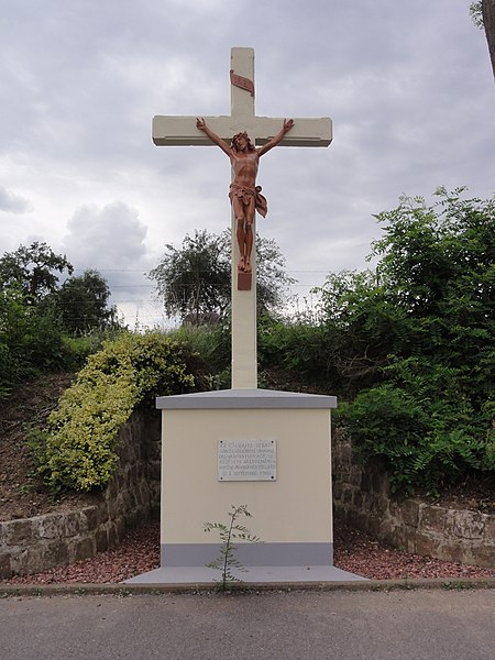 Amigny-Rouy (Aisne) croix de chemin
