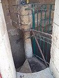 Ancient pillar in Ramle tower עמוד עתיק במגדל הלבן ברמלה.JPG