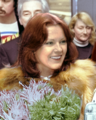 Anni Frid Lyngstad in Schiphol 1976 (cropped).png