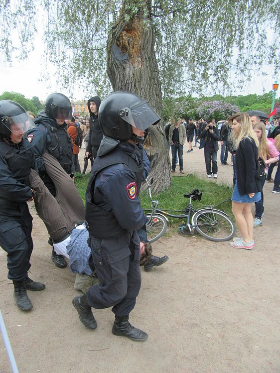 Anti-Corruption Rally in Saint Petersburg (2017-06-12) 49.jpg