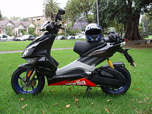 Aprilia SR50 - Image: Aprilia SR50 Factory Side View