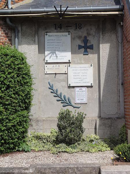 Aubigny-aux-Kaisnes (Aisne) plaques-monument aux morts