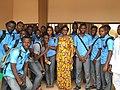 Aurelie Adam Soule Zoumarou en compagnie des étudiants de l'université.jpg
