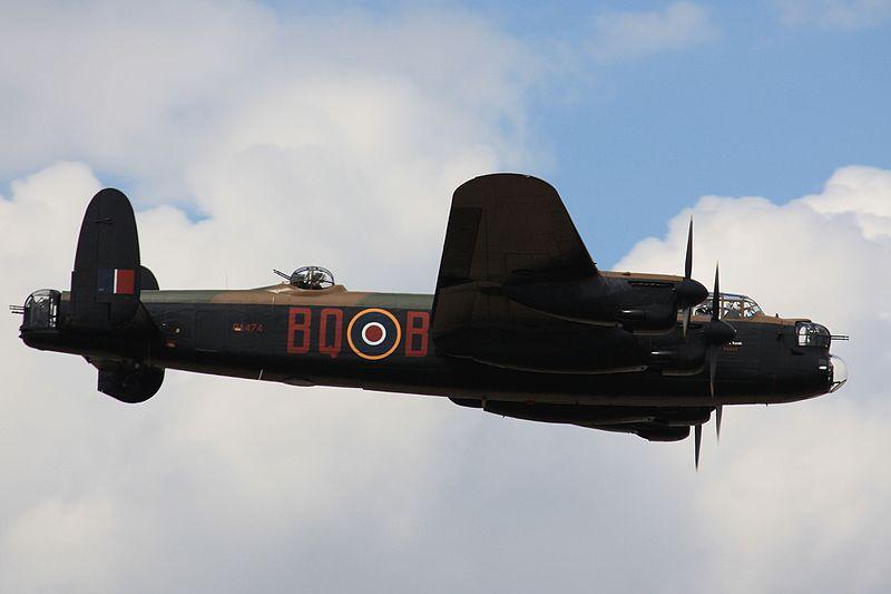 File:Avro Lancaster I - Flypast (4811666172).jpg