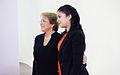 Backstage sesión de fotos candidatos Nueva Mayoría Michelle Bachelet y Karol Cariola.jpg