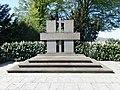 Bad Honnef-Selhof Menzenberger Straße Kriegerdenkmal (1).jpg
