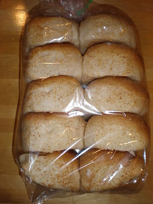 Pandesal - Image: Bag of pandesal