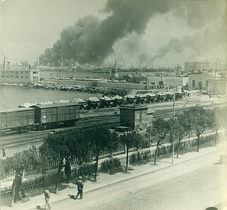 Bari explosion view from Barracks crop sm.jpg