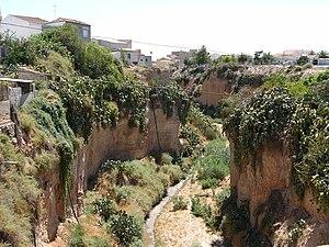 Librilla - The Oron river (Barranco de los Espectros) seen from the road's bridge.