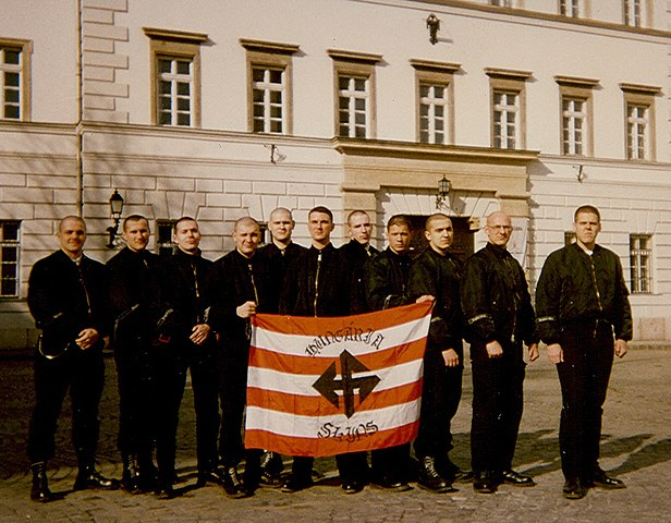 """Hungaria Skins"" with a flag evoking the Arrow Cross in 1997."