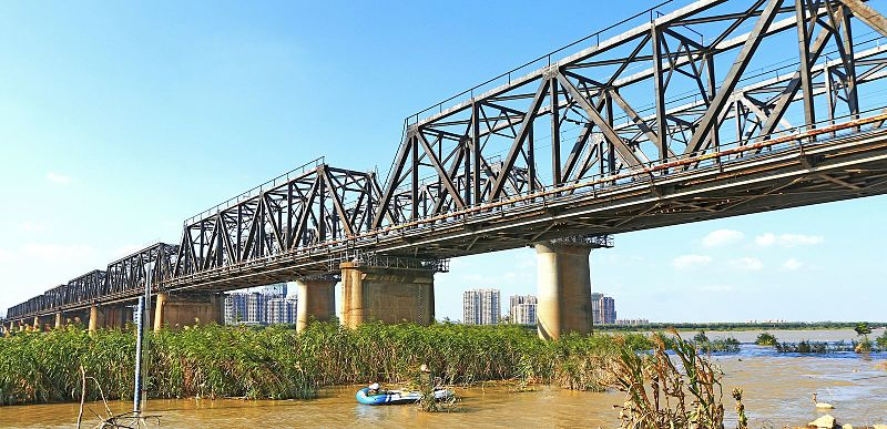 File:Bengbu Huaihe Railway Bridge.JPG