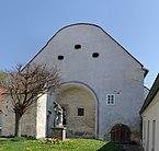 Benifiziatenheim_Mistelbach_Giebel.jpg