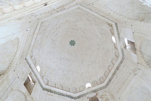 Bibi Ka Maqbara - Interior of main dome