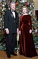 Bill and Hillary Clinton Christmas Portrait 1998 (cropped).jpg