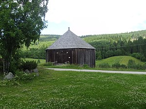 Bjärtrå - The Bjärtrå Round Barn