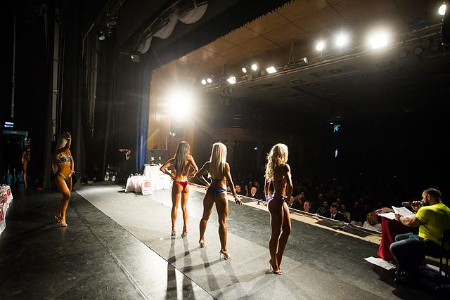 Bodybuilding and fitness bikini open tournament in Kaliningrad (2016-10-16) 17.jpg