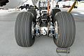 Boeing 787-8 Dreamliner - landing gear.jpg